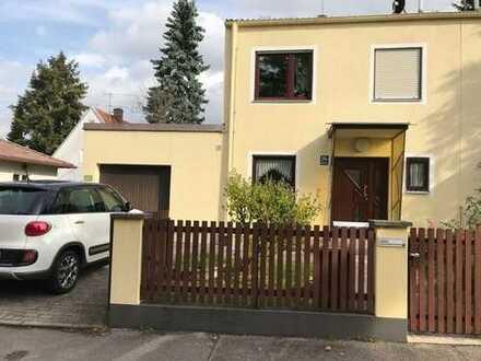 PROVISIONSFREI! Doppelhaushälfte mit großem, sonnigen Garten in Feldmoching/Lerchenau