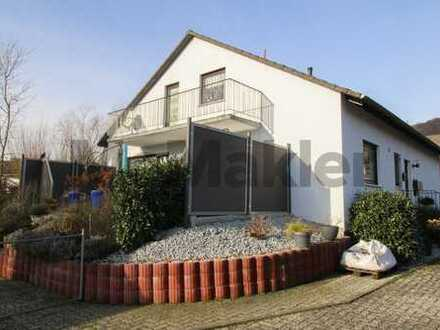 Alles unter einem Dach: Wohnhaus mit 2 Wohneinheiten und gepflegtem Garten nahe Kassel