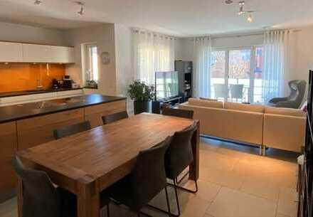 Exklusive, neuwertige 3-Zimmer-Wohnung mit Balkon und EBK in ruhiger Top-Lage