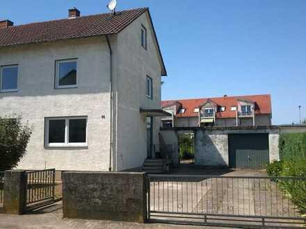 Doppelhaushälfte mit vielen Zimmern ideal für Familien