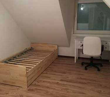 300 €, 15 m², 1 Zimmer