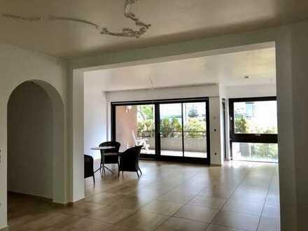 Großzügige 4-Zimmer-Wohnung mit Balkon und Garage in MA-NEUOSTHEIM