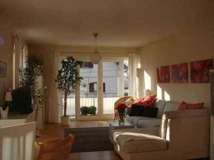Traumhaft schöne 3-Zimmer-Wohnung direkt am Erdinger Stadtpark von privat