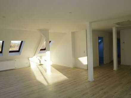 Mein Stötteritz lob ich mir! Tolle Dachgeschosswohnung mit toller Ausstattung inkl. EBK