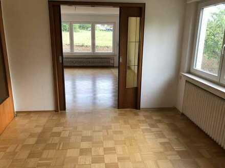 Gepflegte 3,5-Zimmer-Wohnung mit Terrasse und EBK in Spaichingen