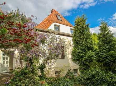 Doppelhaushälfte in Bestlage von Radebeul-West mit herrlich großem Grundstück
