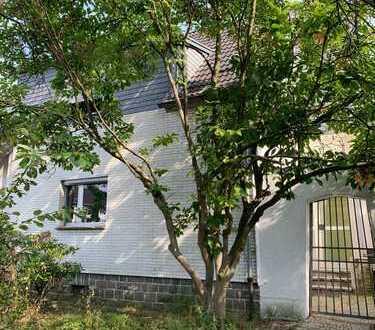 Traumhafte Möglichkeiten in TOP Lage von Alt-Brück - Sanierungsbedürftiges Haus mit TOP Grundstück