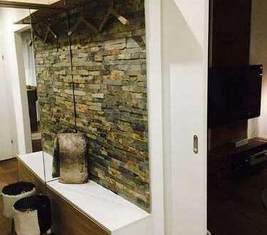 Sanierte 2-Zimmer-Wohnung mit Balkon und EBK in Nauheim