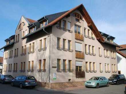 Helle 3 Zimmer Eigentumswohnung, nähe Schlosspark