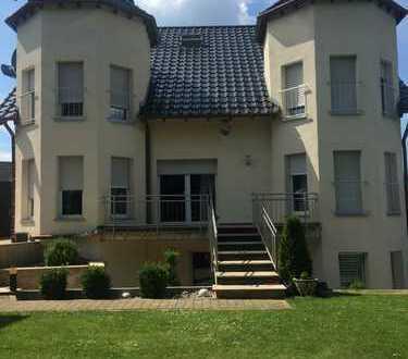Schöne 5-Raum-Wohnung mit EBK und Balkon in Dierdorf