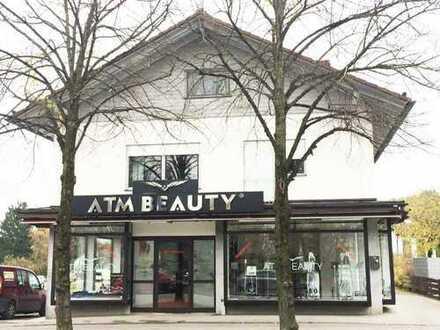 Schickes Ladenlokal , 21 m Schaufensterfront, im Ortszentrum von Gilching mit guter Lauflage