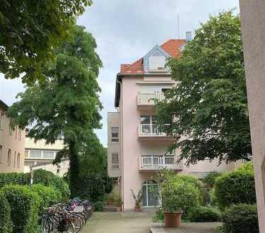 Rarität Schwabing-Nahe Elisabethplatz - 1,5-Zimmerwohnung mit Dachterrasse (1.OG) und neuem Bad