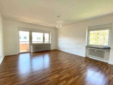 Sofort frei! Moderne, renovierte und helle Wohnung in ruhiger Lage mit Balkon und TG-Stellplatz...