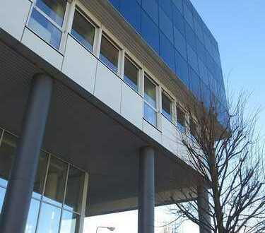 Nähe Hessen-Center: lichtdurchflutetes Büro mit kleiner Terrasse und Fernblick * provisionsfrei