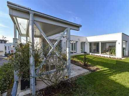 Lichtdurchflutetes Architekten-Einfamilienhaus mit herrlichem Blick auf den Königstuhl