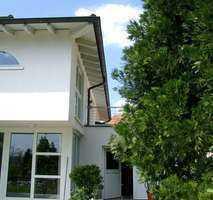 POCHERT IMMOBILIEN - Exklusive Wohnung mit Sonnenbalkon in bester Villenlage