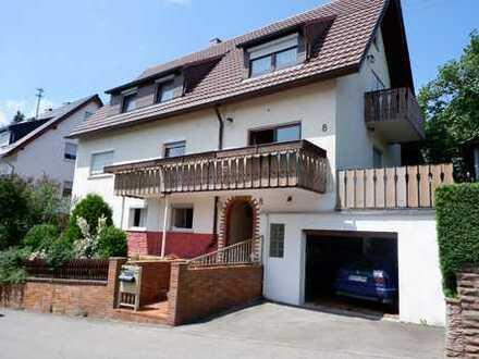 Schönes 1-2 Fam. Haus mit 2 Garagen, Werkstatt sowie großem Garten+ Gartenhaus in 71134 Aidlingen
