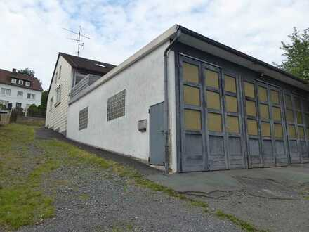 Gewerbeeinheit/Halle mit angrenzendem Wohnhaus in Regnitzlosau