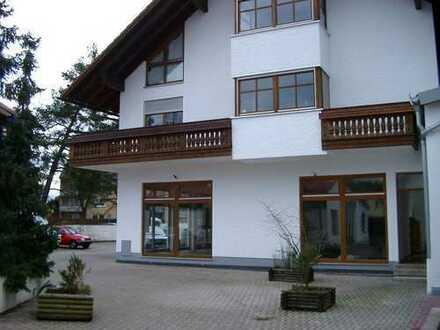 Maisonette Wohnung mit Holzdielen und Laminat