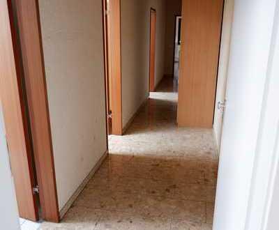 Renovierte 1 Zimmer DG Wohnung mit neuer EBK in 71131 Unterjettingen, WM pauschal: 595€
