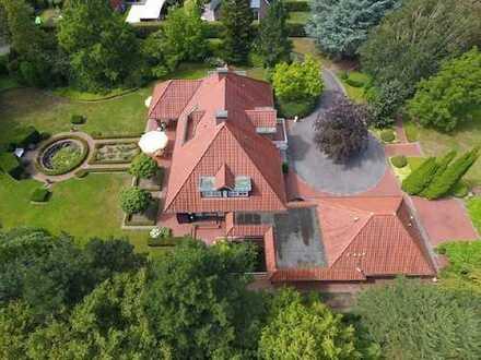Exklusive Villa mit wunderschön angelegter Parkanlage