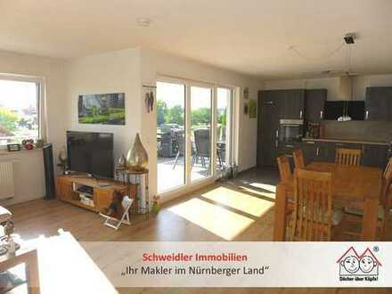 PENTHAUS-Wohntraum in Lauf rechts!! Schicke 3-Zimmer-Wohnung mit Dachterrasse in BESTLAGE zur Miete