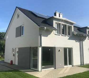 Neubau! Moderne Doppelhaushälfte in Sanitz