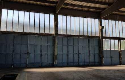 sehr hohe Lager / Gewerbehalle mit übergroßen Toren ebenerdig - evtl. mit Rampe / ab 01.05.2019