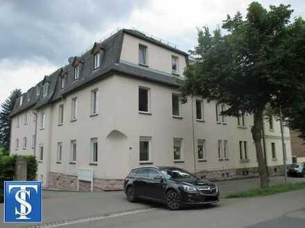 68/17 - RENDITE / ANLAGE! Vermietete 2-Zimmer-Dachgeschoss-ETW in ruhiger Lage in Treuen
