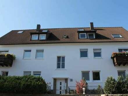 """"""" Die helle Dachgeschosswohnung in Halbhöhenlage ! """""""