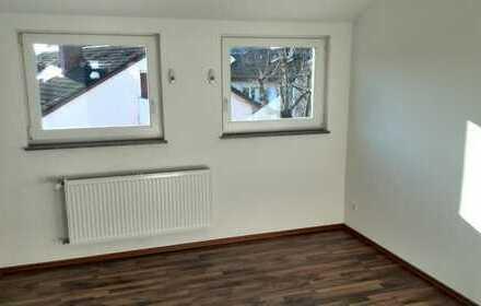 Sonnige, ruhige 2-Zi. Wohnung mit Gartenblick in Korntal (prov. frei)