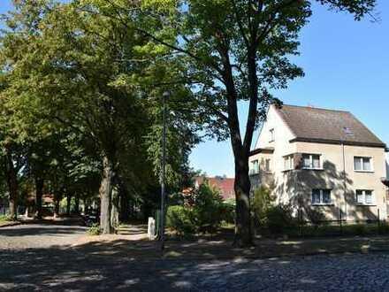 Attraktive Stadtvilla mit 2 Vollgeschossen und ausgebautes Dachgeschoss
