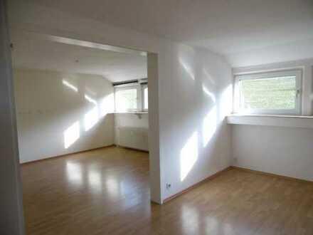 Wilnsdorf-Gernsdorf: 4 Zimmer / 110 m² sonnige Dachgeschoßwohnung