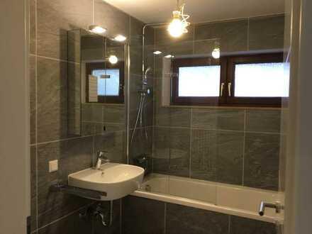 Stilvolle, vollständig renovierte 2-Zimmer-Wohnung mit eigener Terrasse in Albstadt-Laufen