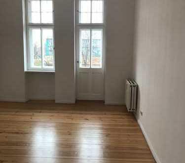 Exklusive, geräumige 2-Zimmer-Wohnung mit Balkon in Hohenschönhausen, Berlin