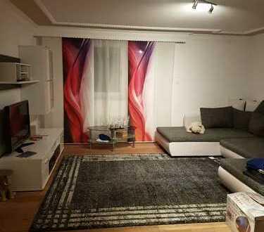 Neuwertige 3-Zimmer-Wohnung mit Balkon und Einbauküche in Empfingen