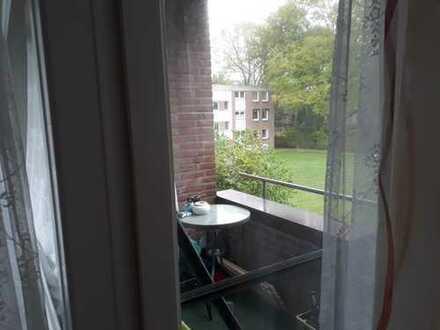 Gepflegte 1,5-Zimmer-Wohnung mit Balkon und EBK in Ahrensburg