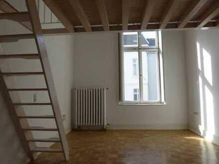 Appartement + Aufkammer, 1. Et. Südstadt, Parkett, Blick auf Gärten