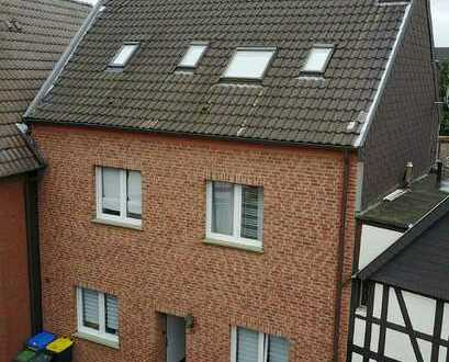 Eigentumswohnung in ruhiger, zentraler Lage mit großer Dachterrasse