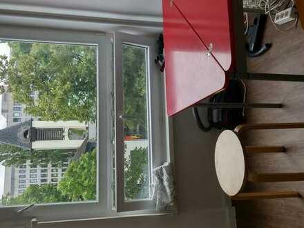 ruhige Wohnung in Wilmersdorf zentral im Ring