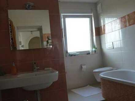 Gut ausgestattete 3-Zimmer-Wohnung mit Balkon und Einbauküche in Stuttgart Heumaden