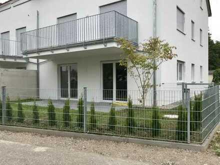 Erstbezug mit EBK und Garten+Terrasse: exklusive 3-Zimmer-Erdgeschosswohnung in Pentling-Grasslfing