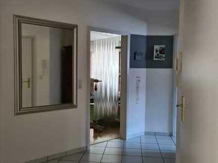 Freundliche 4-Zimmer-Wohnung mit Balkon in Wiesbaden