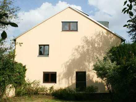 Doppelhaushälfte in ruhiger Wohnlage - ideal für Familien!