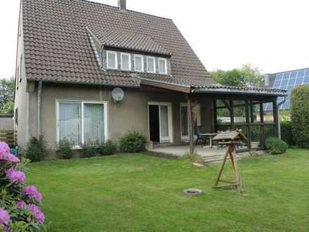 Freihstehendes Einfamilienhaus in ruhiger Lage mit gepflegtem Garten