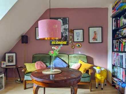 Schöne ruhige Dachgeschoss Wohnung sucht neue Mieter!