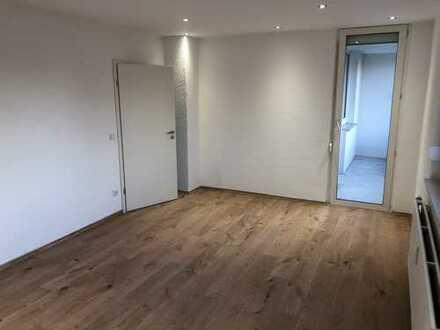 Vollständig renovierte 2-Zimmer-Wohnung mit Balkon und Einbauküche in Neuburg an der Donau