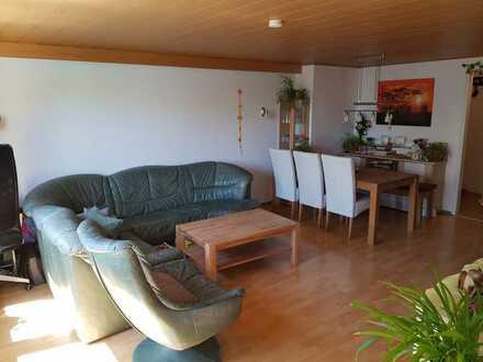 Attraktive 3-Zimmer-Wohnung mit EBK und Balkon in 71229, Leonberg