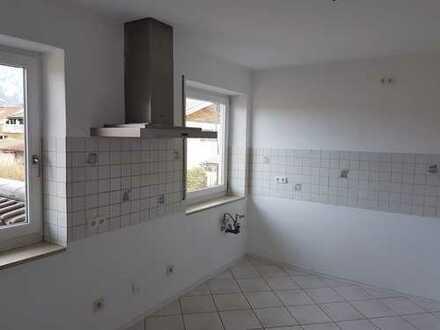 670 €, 90 m², 2 Zimmer