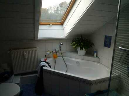 Schöne 4-Zimmer-Dachstudio-Wohnung in Regendorf